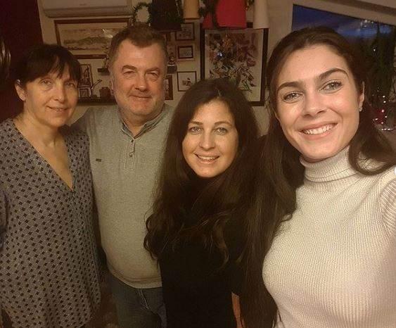 milica mandic sa porodicom